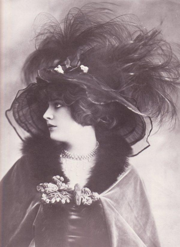 madeleine vionnet hat