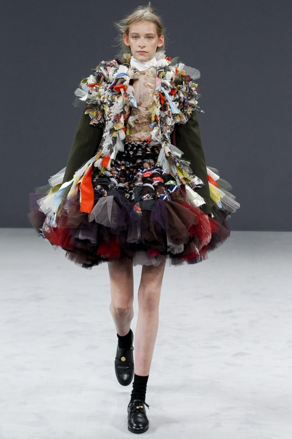 Featured Collection – Viktor And Rolf Fall 16